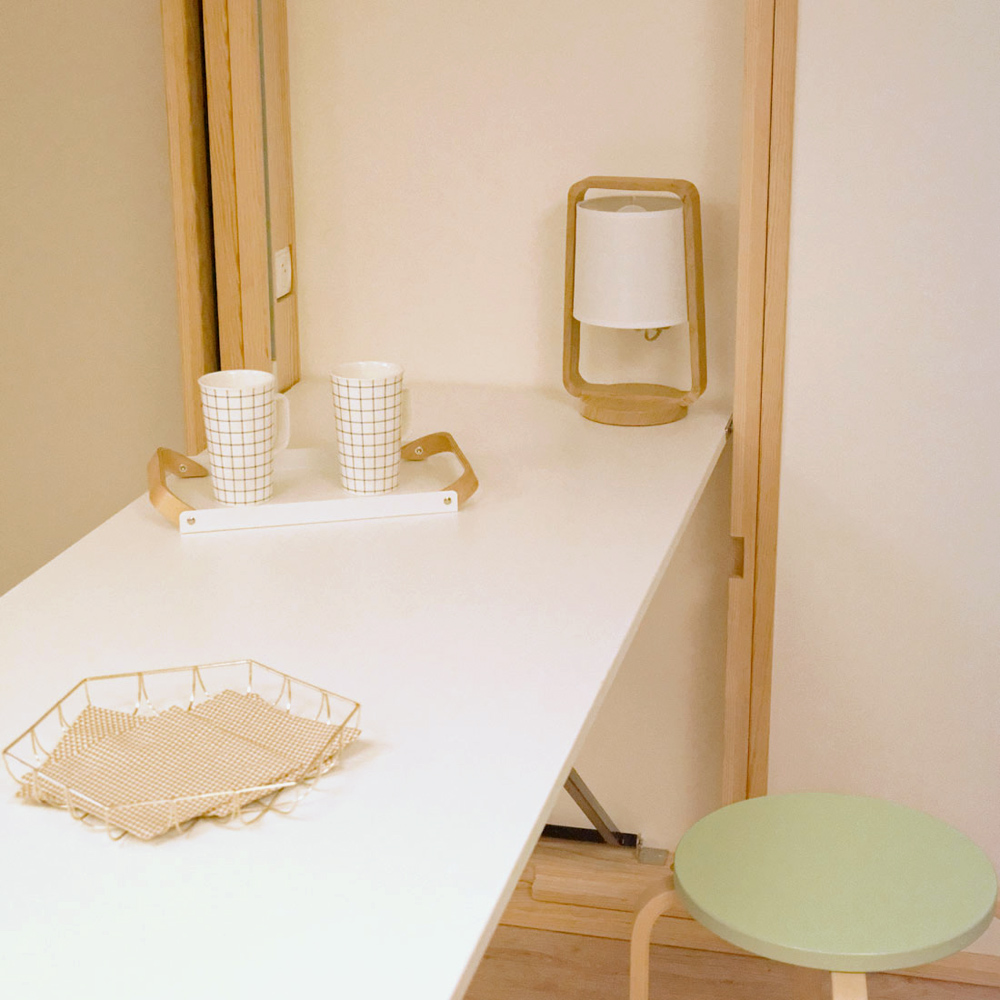 Table a manger rabattable maison design for Petite table a manger